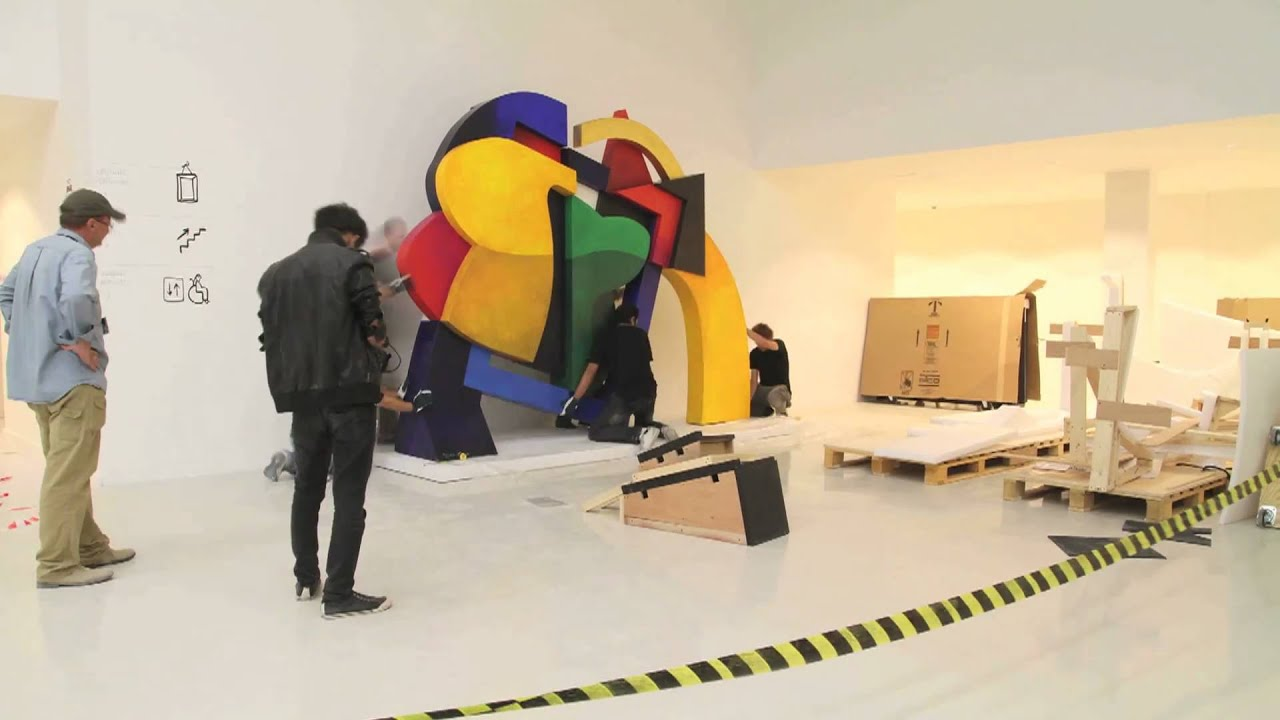 Time-lapse installation of Dia Azzawi sculpture in Mathaf: Arab ...