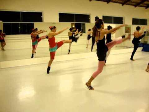 Escola de Dança Passos - Jazz