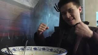Рекорд Алматы. Казах съел 3 кг лагмана меньше чем за час