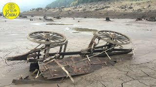 When This Oregon Lake Dried Up In 2015, The Relics Of An Eerie Ghost Town Emerged thumbnail