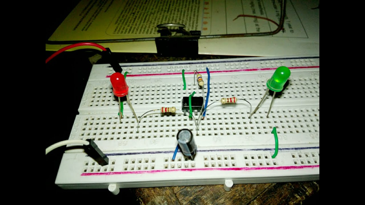 How to make a dual LED flasher circuit - YouTube