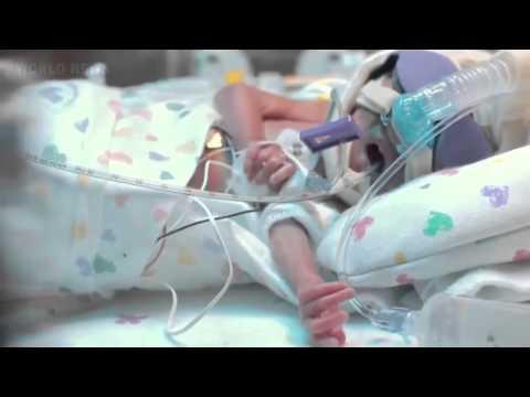 Ребенок родился на 3,5 месяца раньше. Отец снял видео о первом его годе