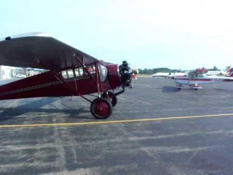 DSCF5008.AVI Curtiss Robin startup