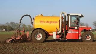 Bouwland bemesten door MTS Stegeman Vinkenbuurt met Vervaet en New Holland.