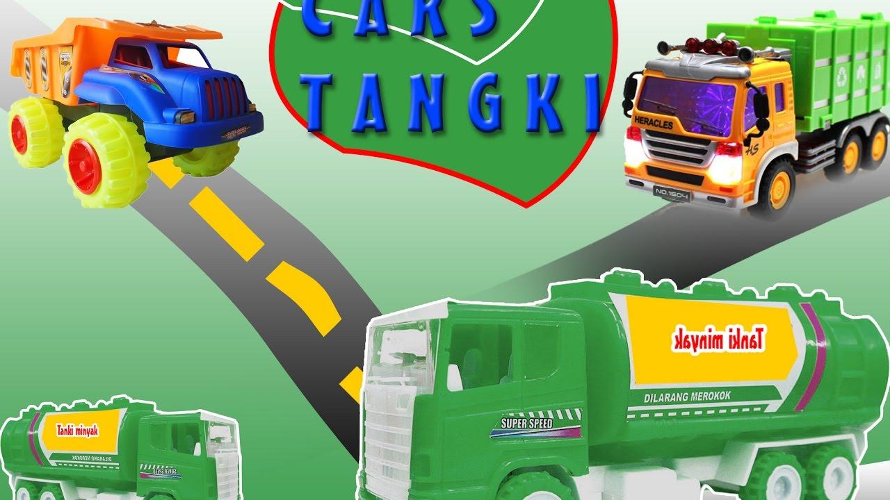 7800 Gambar Kartun Mobil Di Jalan Raya Gratis