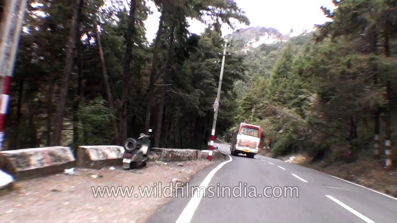 Hilly Himalayan road from Mussoorie to Dehradun
