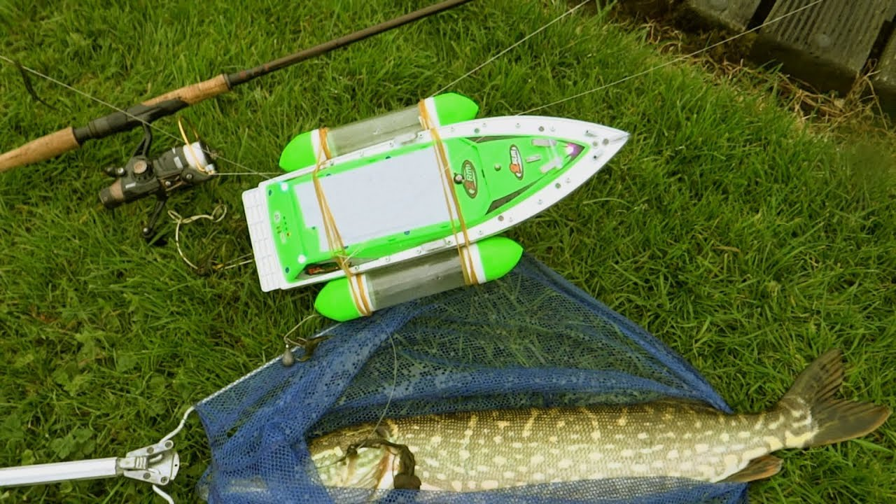 Pike vs rc boat epic battle catching my first fish with for Rc boat fishing