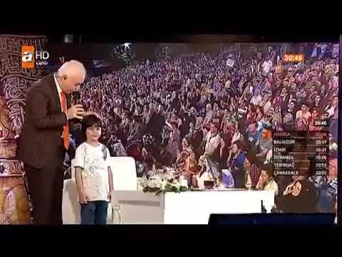 Nihat Hatipoğlu'nu trolleyen çocuk