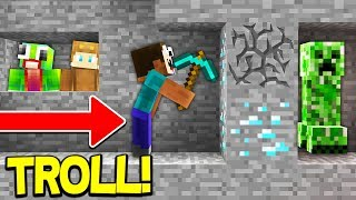 TROLLING FANS ON MY MINECRAFT SERVER 😈
