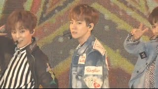 Gambar cover [LIVE] EXO-CBX - Ka-CHING! | GirlsAward2017