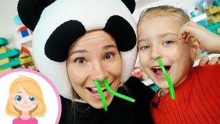 Огромные сопли - Маленькая Вера и Панда - Смешная игра для детей малышей