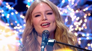 "Freya Ridings ""Castles"" Top Of The Pops Christmas 2019"