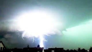 Megablitz bei Unwetter in Nürnberg