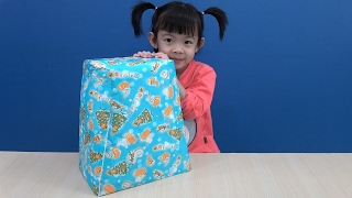surprise toy box opening  dancing robot toy for kids  anan toysreview tv