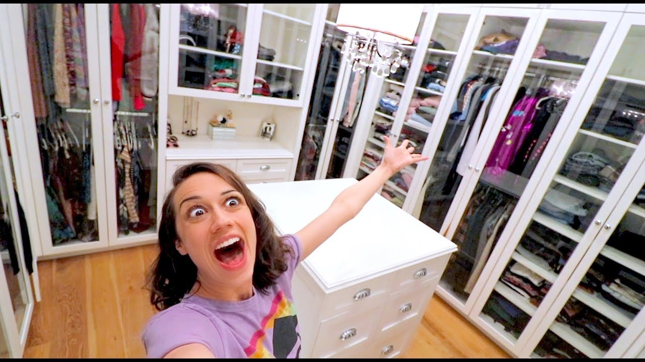Download CLEANING MY HUGE CLOSET FOR THE FIRST TIME!