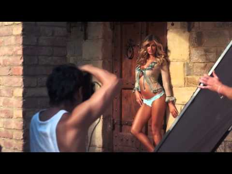 Samantha Hoopes 2015 Sports Illustrated Swimsuit Uncovered Video