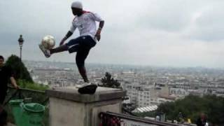 UNBELIEVABLE FREESTYLE SOCCER/FOOTBALL TRICKS [HQ](Oh my god, thanks for watching ma video, I'm in shock right now....over 3+ million views. WOW!!! This is simply unbelievable!!! It is a MUST see video!!! ...This a ..., 2010-10-15T02:45:31.000Z)