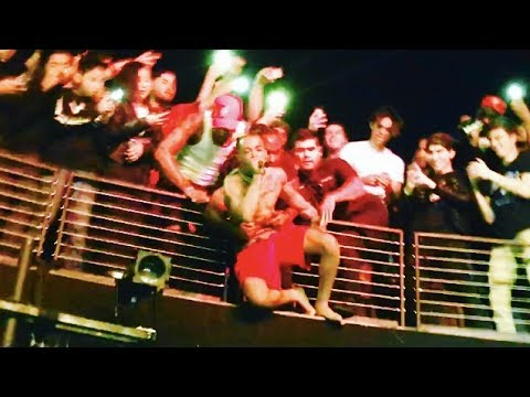 (INSANE) XXXTENTACION Hangs Off Balcony While Performing Suicide Pit - Revenge Tour - The Novo in LA