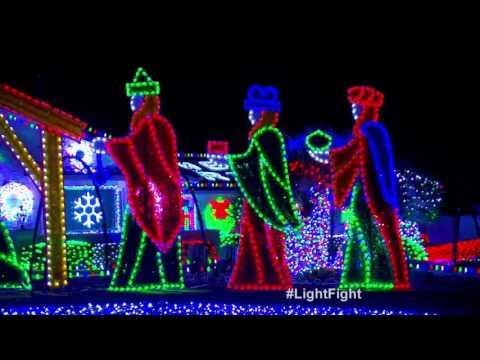 Preston Family Light Show – The Great Christmas Light Fight