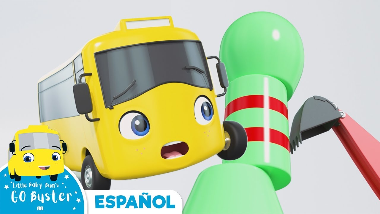 Buster juega con bolos | Canciones Infantiles | Buster en Español - Little Baby Bum