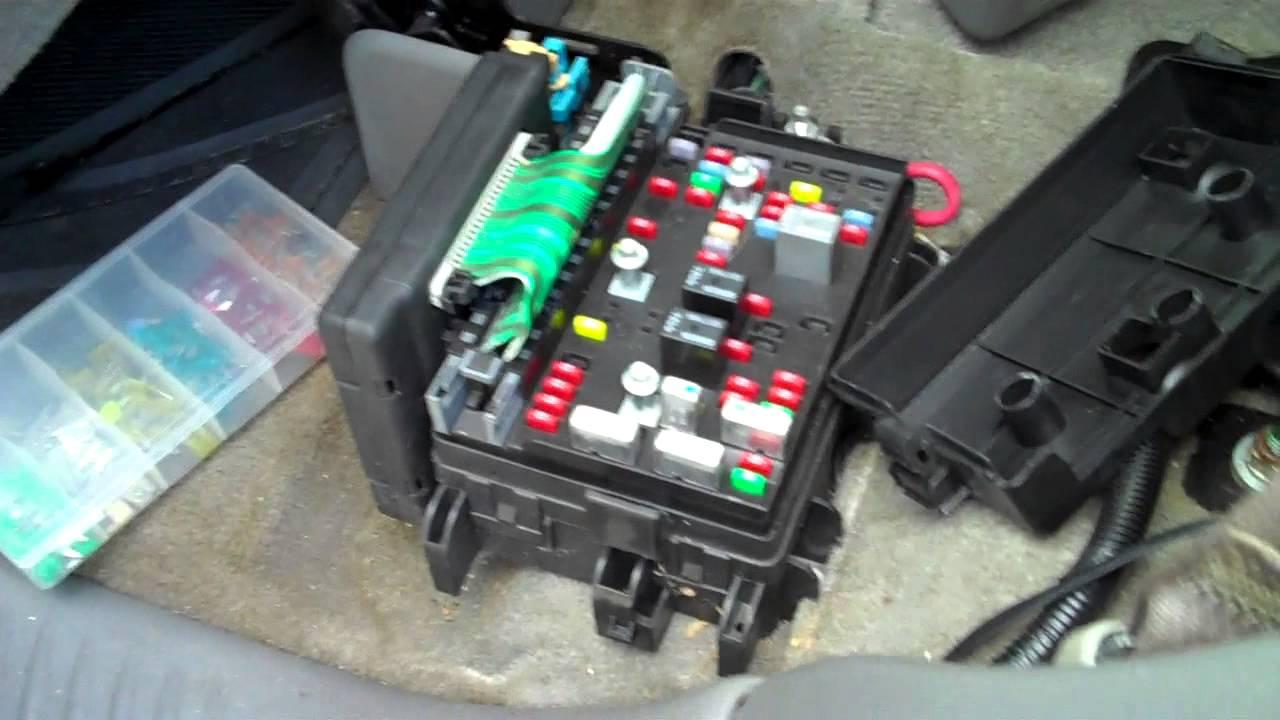 trail blazer envoy no tail lights fix [ 1280 x 720 Pixel ]