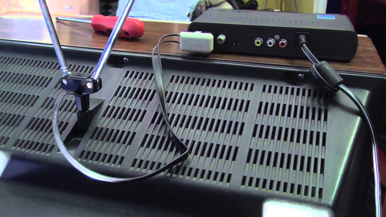 Hooking up a digital tv converter box youtube publicscrutiny Image collections