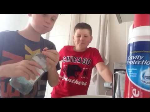 Hot Mouthwash challenge w Jamie