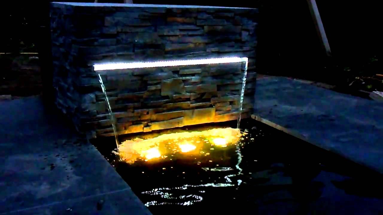 Waterval met licht - YouTube