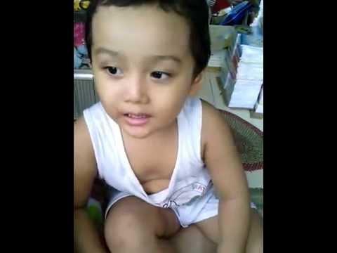 bé Ben 2 tuổi hát ba thương Ben cực đáng êu