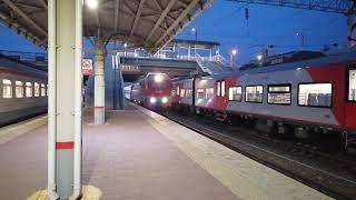 ЭП2К-070 с \фирменным\ поездом №014Е Москва—Челябинск прибывает на ст. Челябинск-Главный