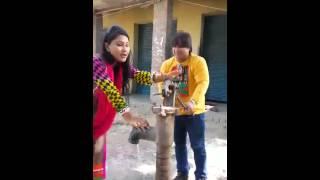 """Priyanka Pandit Video Leaked With Arvind Akela """" Kallu"""" I Masti Time On Set"""