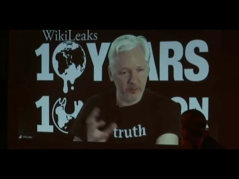 Assange: Police collaborator and narcissistic phony