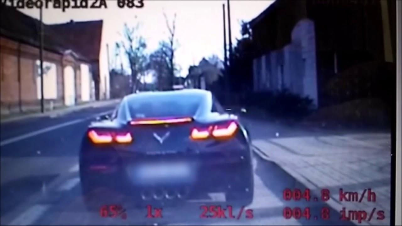 Policjanci przerwali niebezpieczną jazdę corvette'y