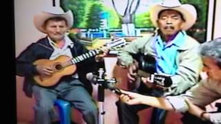 """San Antonio Huista, guitarrilla con el Duo """"Don Teodoro y D"""