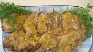 Запеченное мешаное мясо c луковым соусом