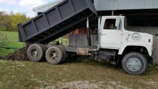 1975 Ford tandem axle dump truck, detroit diesel.