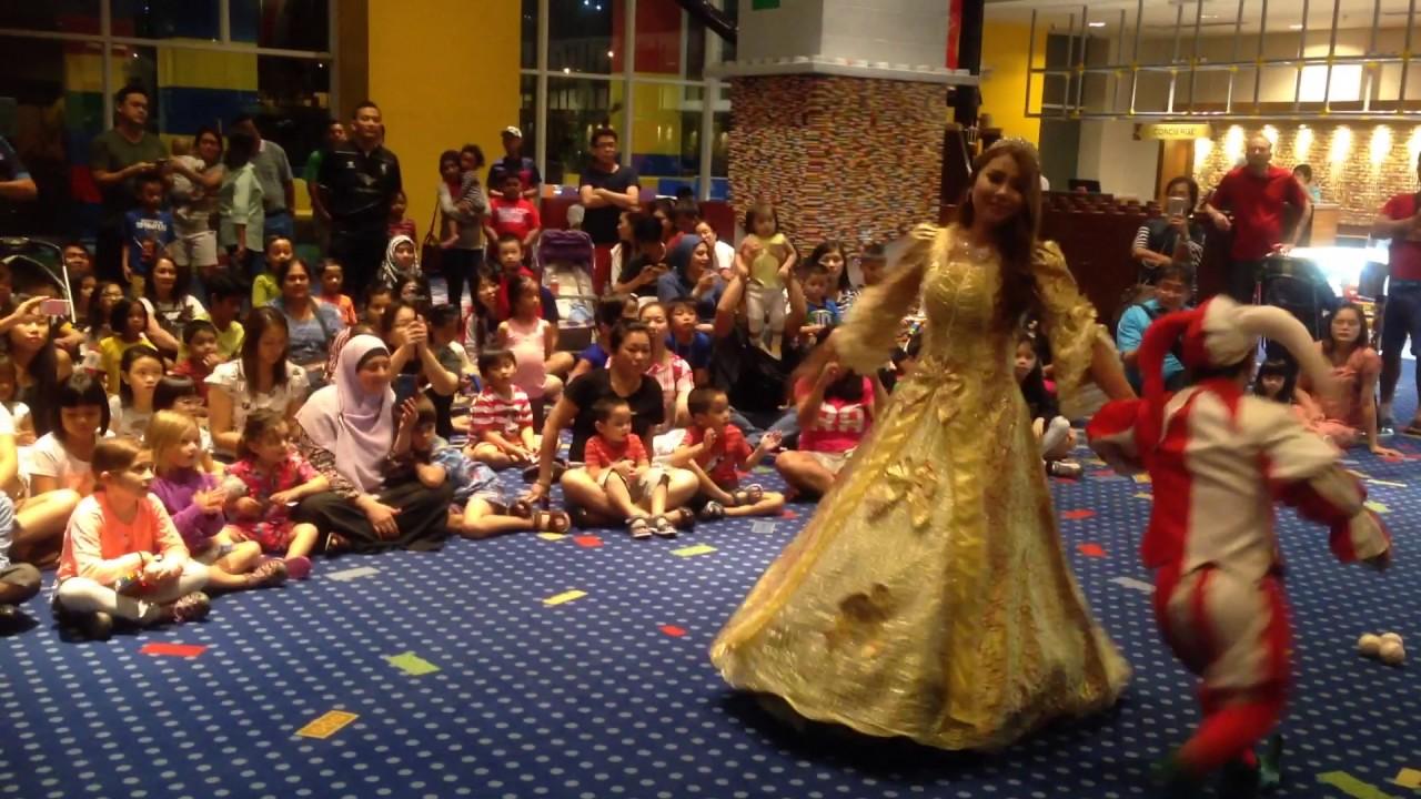 Legoland Kingdom Show at Legoland Malaysia - YouTube
