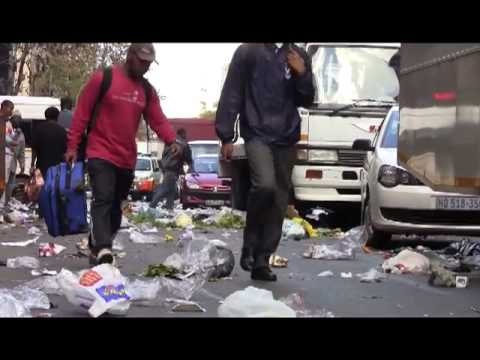Samwu members trash Joburg CBD