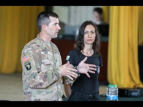 Подполковник США: Украинцы ТУПЫЕ!