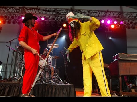 Colonel Claypool's Bucket Of Bernie Brains - Live At Bonnaroo 22 June 2002 Part 1/2
