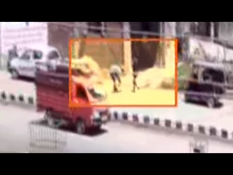 Militants Caught on Camera Killing Cops in Anantnag, Jammu & Kashmir