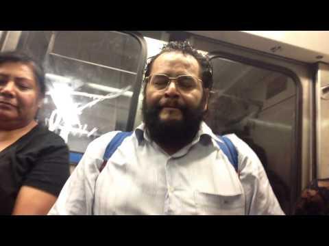 De cantar en el metro al prime-time: la increíble voz de Jahvel Johnson >> Verne >> EL PAÍS