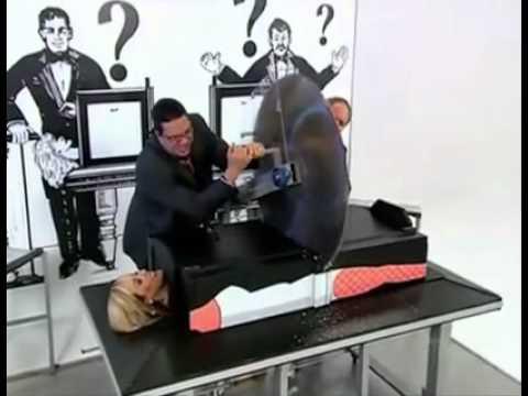 Magie homme coupe en deux explication coupe de cheveux la mode - Magie corps coupe en deux ...