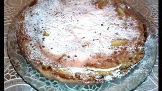 Пирог -манник с яблоками, испеченный на сковородке