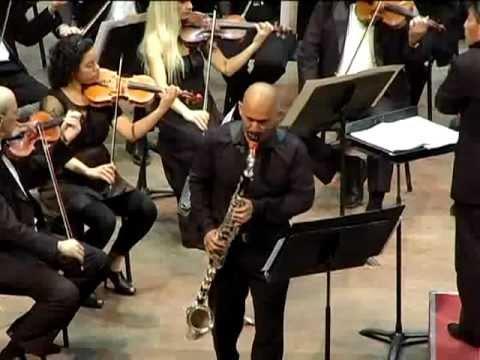 Marco Mazzini interpreta el Concierto Silvestre en Argentina (bass clarinet)