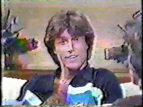 Andy Gibb meets Victoria Principal HISTORY in the making part 1 of 3