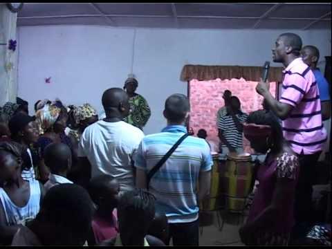 WorshipTime in Bangui - Steve Kunda 03/2015 - MCOE