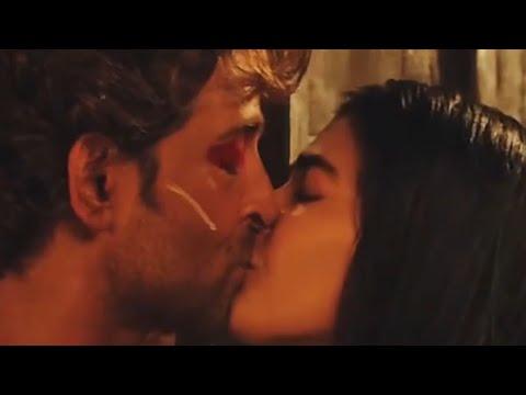Download Hrithik Roshan & Pooja Hegde Kiss Scene   Mohenjo-Daro   Romantic Scene