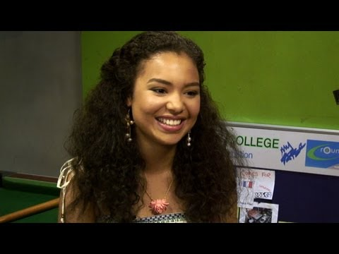Jessica Sula on Skins 6: 'Grace is less annoying now!' - YouTube