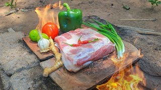 Survival Time: Cooking Pork Using Old Roof Tiles For Lunch